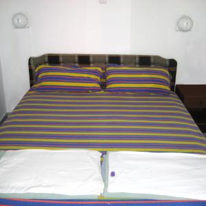 2 krevet priz 1