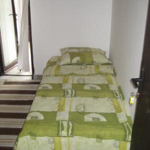 3b krevet sprat 4